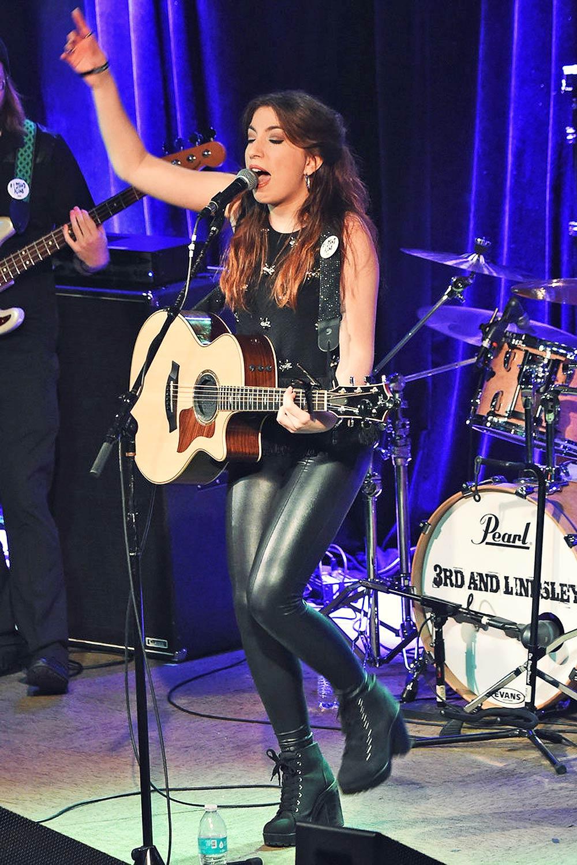 Sasha McVeigh performed at 3rd & Lindsle