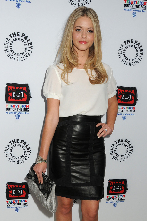 Sasha Pieterse at Television: Out Of The Box