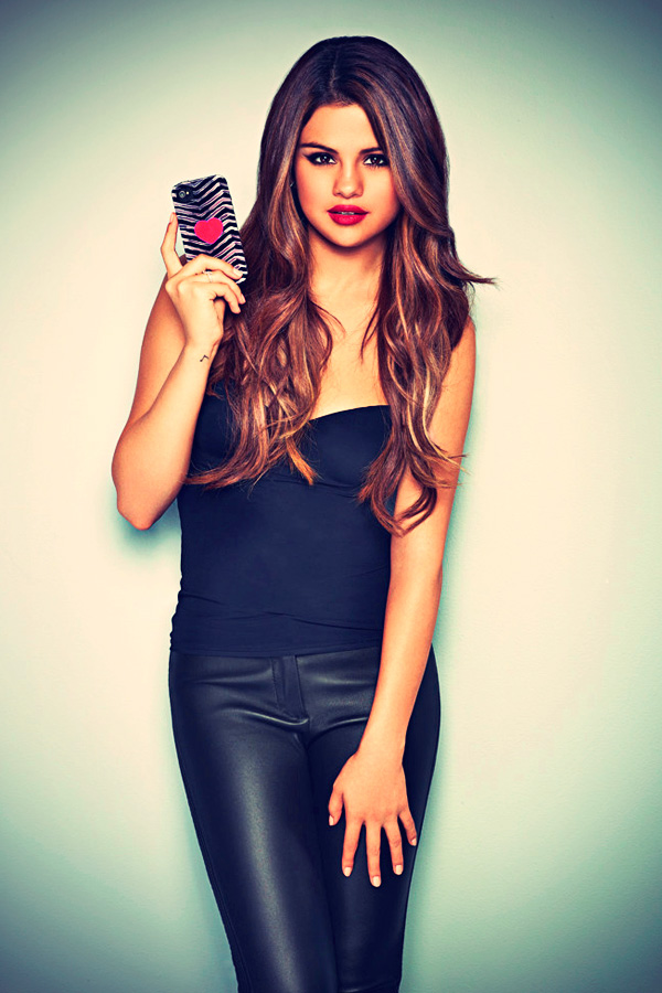 Selena Gomez 2012 Case-Mate shoot