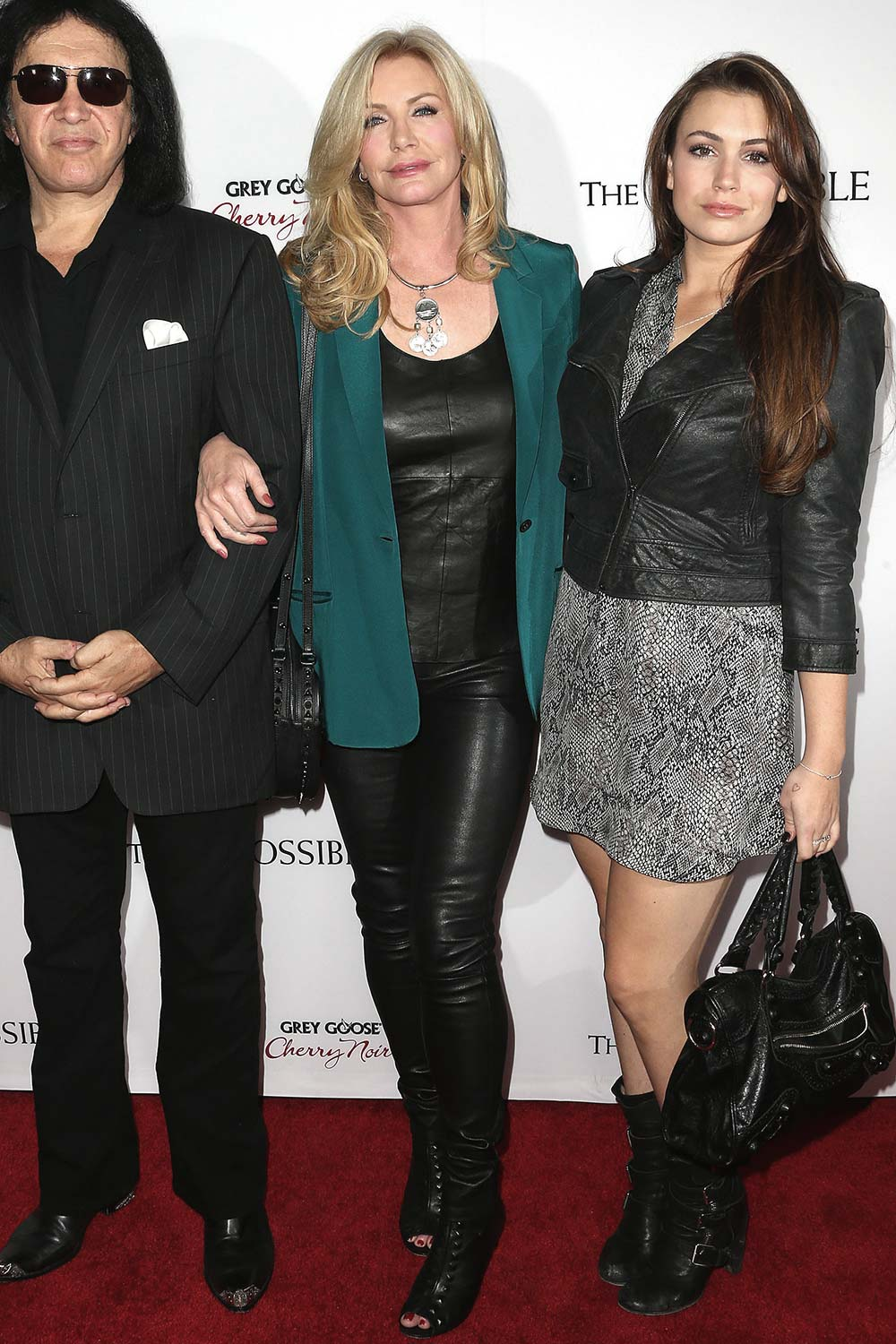 Shannon Tweed arrives at the The Impossible Los Angeles Premiere