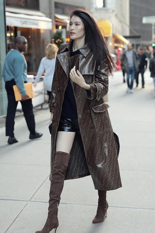 Sui He attends Victoria's Secret Models