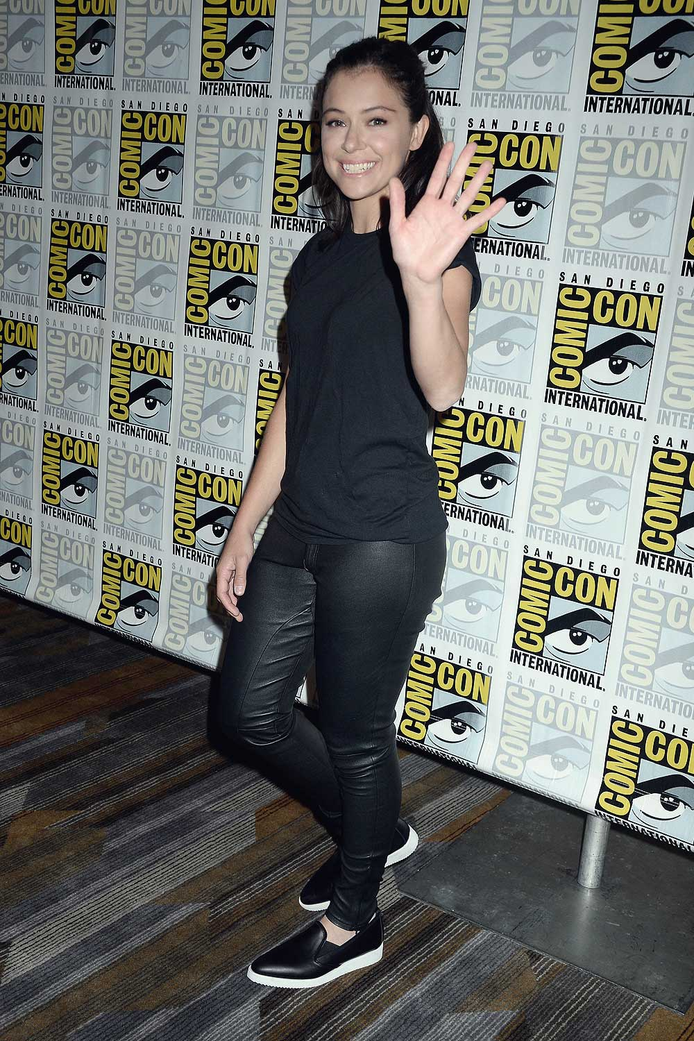 tatiana maslany attends comiccon leather celebrities