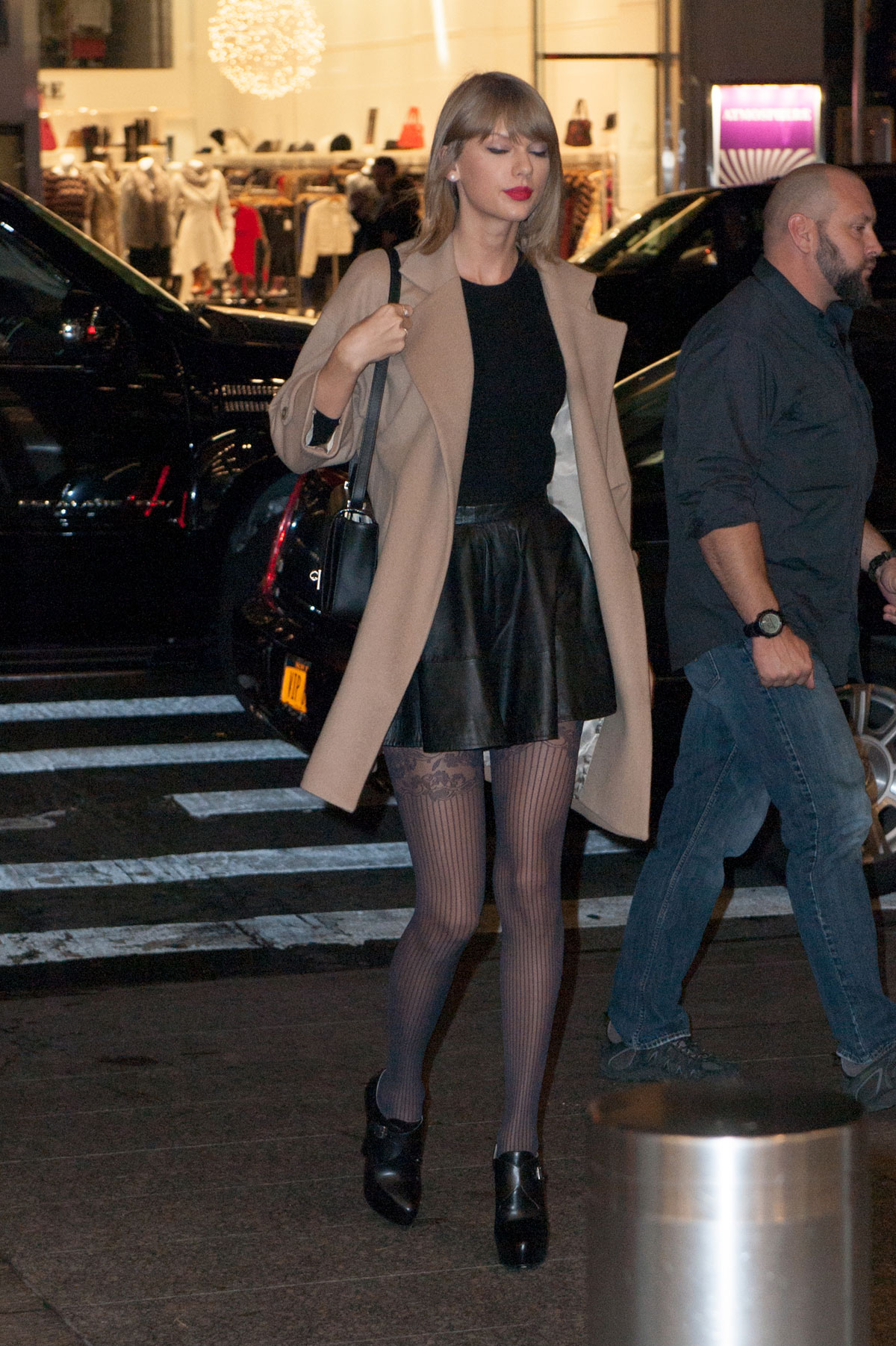 Taylor Swift Leaves Her New York Apartment Leather