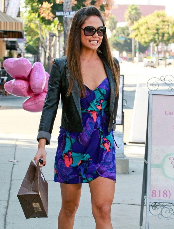 Vanessa Minnillo shopping at Belle Gray in Studio City