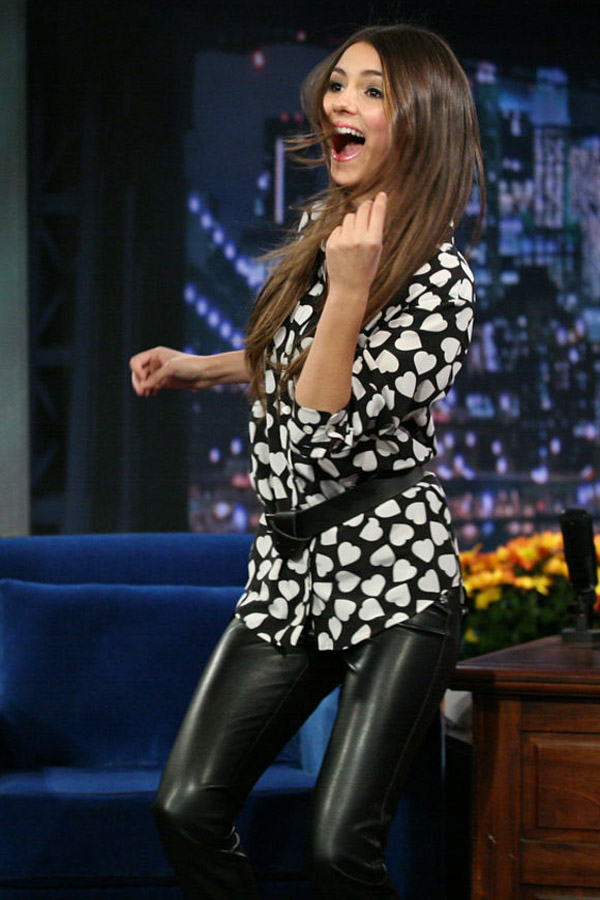 Victoria Justice on Late Night with Jimmy Fallon
