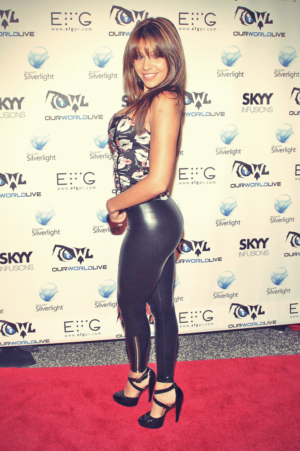 Vida Guerra at One World Live