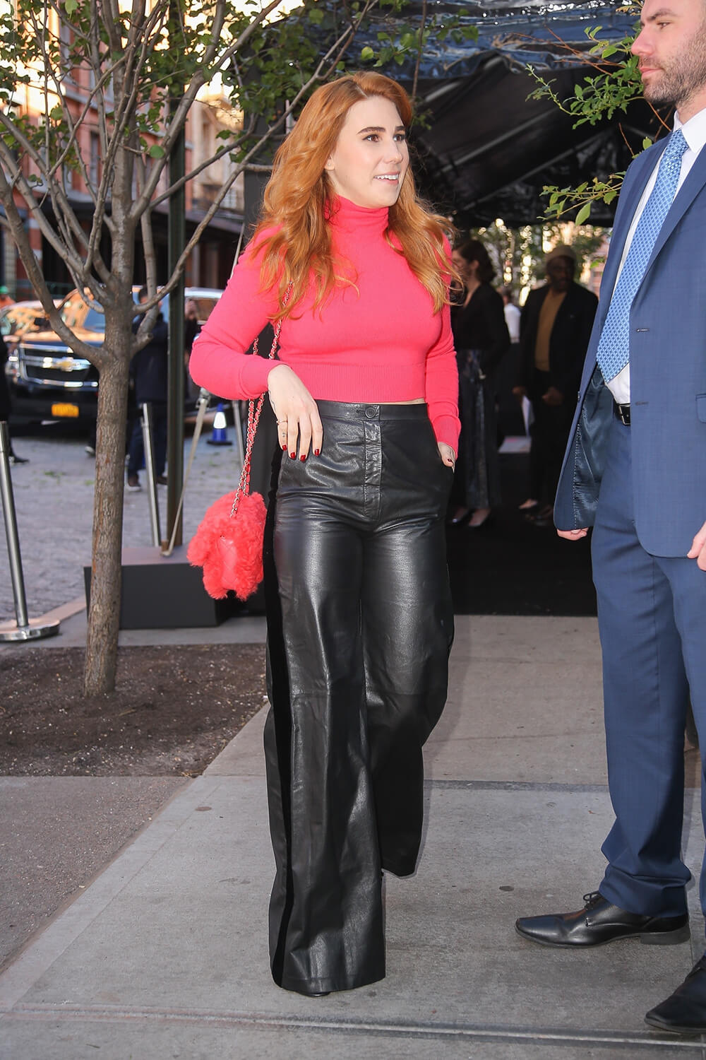 Zosia Mamet looks great on a leather pants