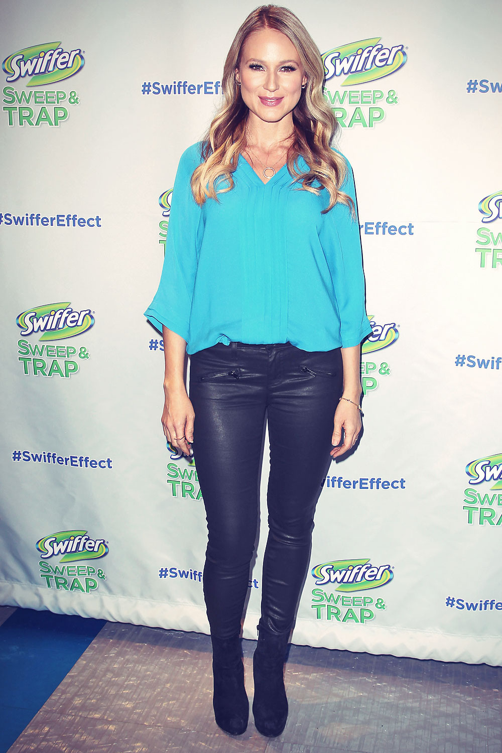 Jewel celebrates the Launch of Swiffer's New Sweep & Trap