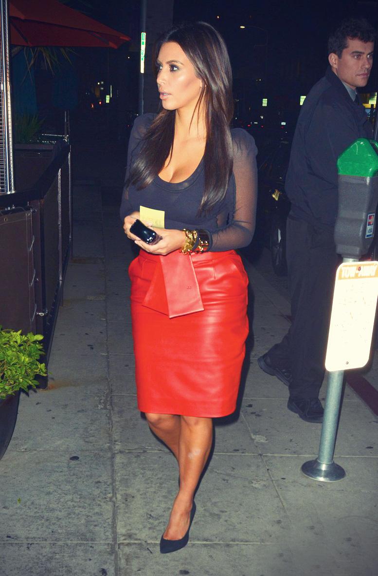 Kim Kardashian and her boyfriend Kanye West head into Crustacean Restaurant
