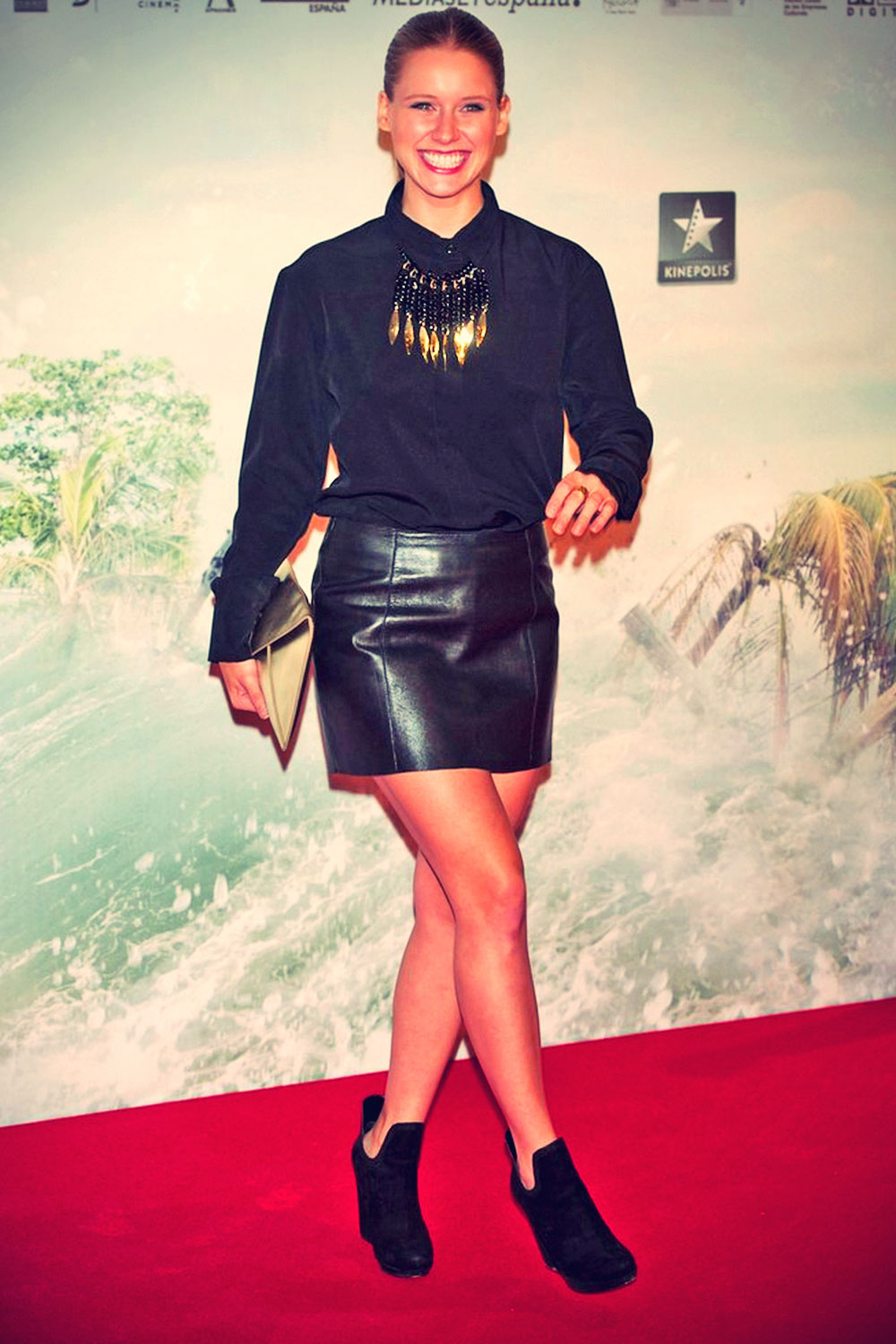 Manuela Velles attends Premiere of The Impossible