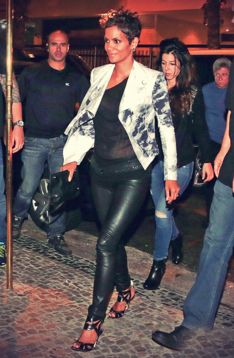 Halle Berry heading out to dinner at Antiquarius Restaurant
